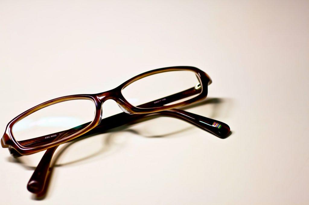 メガネは外した方がいいかもです